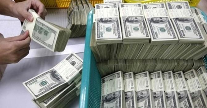 Tỷ giá và bài toán nợ công: Chuyên gia nói gì?