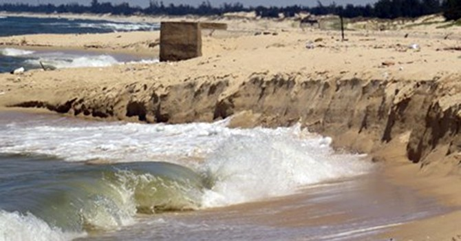 Ai đền bãi biển Nhật Lệ cho dân?
