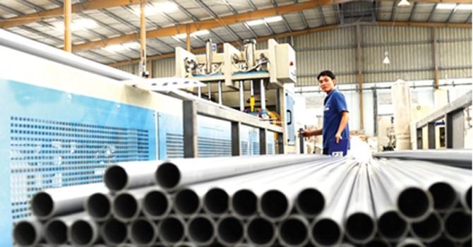 Tôn, thép Việt Nam đối mặt với nguy cơ từ tranh chấp thương mại