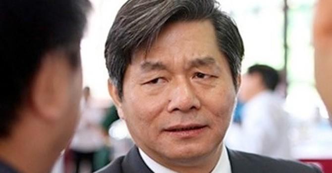 """Bộ trưởng Vinh nói gì về """"áo giáp đang rách""""?"""