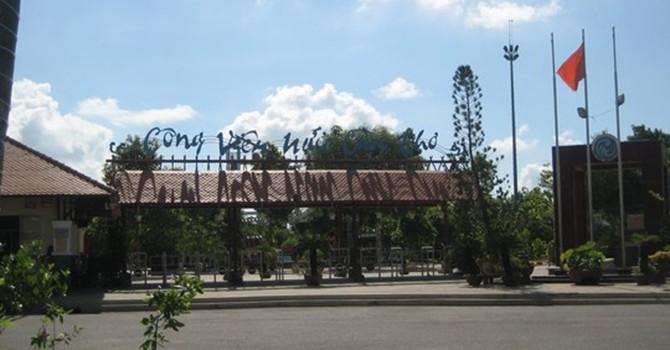 Cảnh hoang tàn ở công viên nước lớn nhất miền Tây
