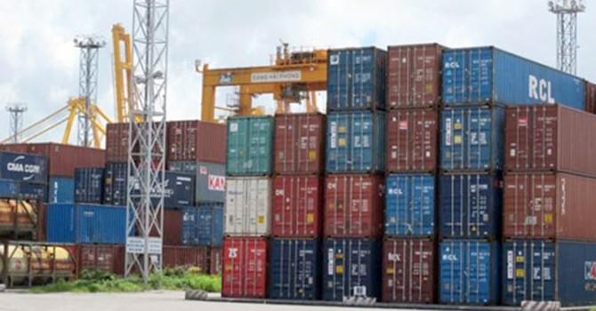 """""""Bãi rác"""" container tại cảng biển: Ngày một phình to"""