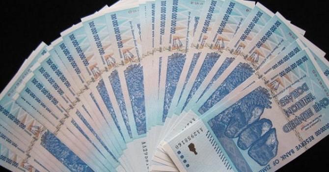 """Vì sao những """"tỷ phú"""" ở Zimbabwe không mua nổi bát phở?"""