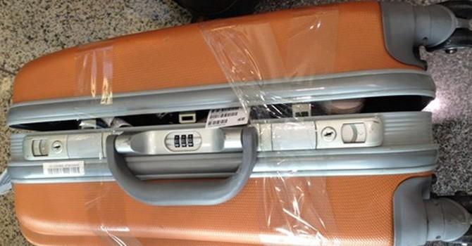 Cận cảnh những kiểu hành lý bị mất cắp tại sân bay