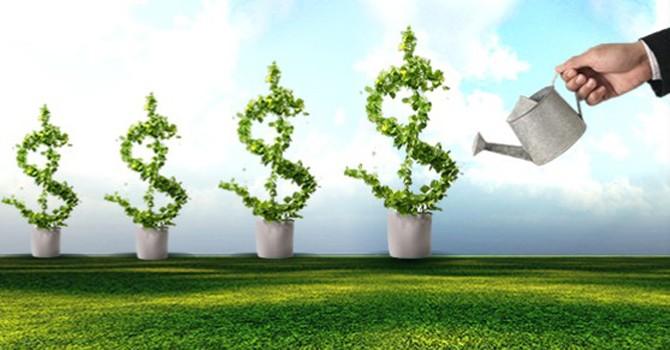 Đầu tư cổ phiếu tăng trưởng và hưởng lợi từ ngành
