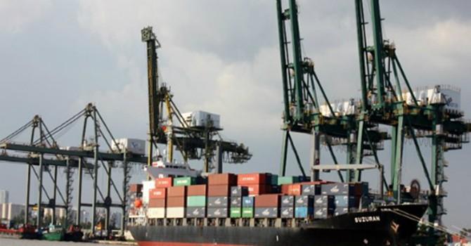 Bộ Giao thông xác nhận vận tải biển chỉ áp 40 loại phí
