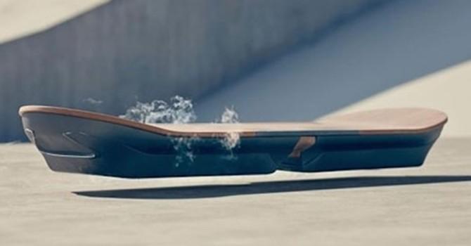 Lexus giới thiệu mẫu ván trượt bay ấn tượng