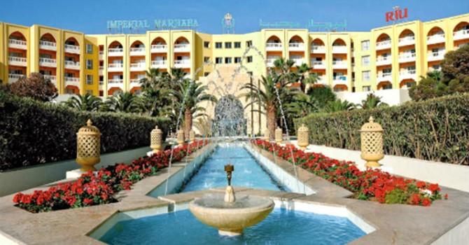Tấn công khủng bố khách sạn Tunisia, hàng chục người chết