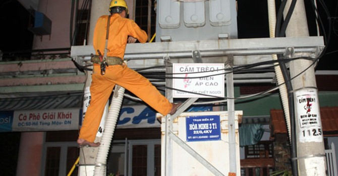 Sự cố cáp ngầm gây mất điện liên tục tại Hà Nội