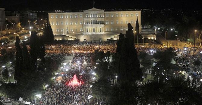 """Người dân Hy Lạp hồ hởi với lựa chọn """"không"""""""