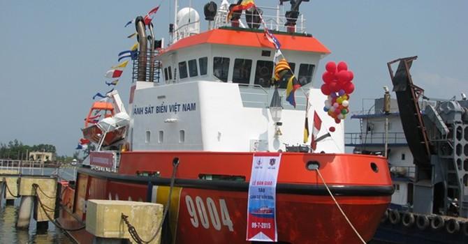Bàn giao 2 tàu hiện đại cho cảnh sát biển