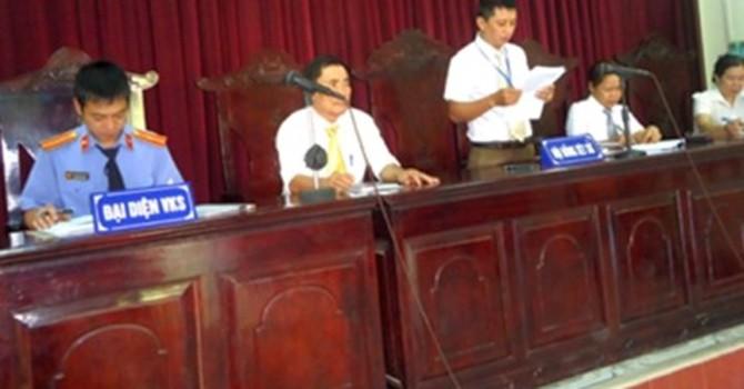 Xét xử nguyên Phó Chủ tịch xã tuyên bố vỡ nợ hơn 8 tỷ đồng