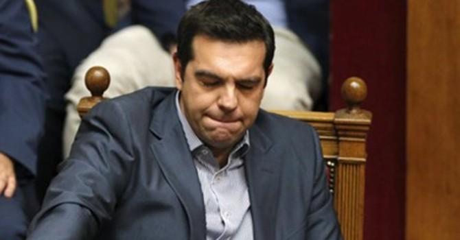 Hy Lạp vừa mới hiên ngang, đã phải cúi đầu