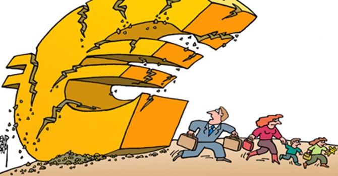 """Euro: Từ công cụ hợp nhất trở thành... """"vũ khí"""" bắt nạt!"""