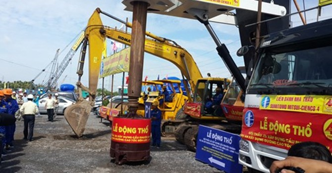 Động thổ gói thầu xây lắp J3 thuộc dự án cao tốc Bến Lức-Long Thành