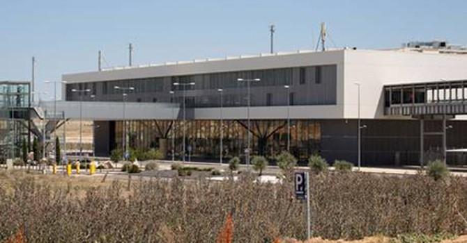 """Tây Ban Nha bán sân bay """"ma"""" giá 11.000 USD"""