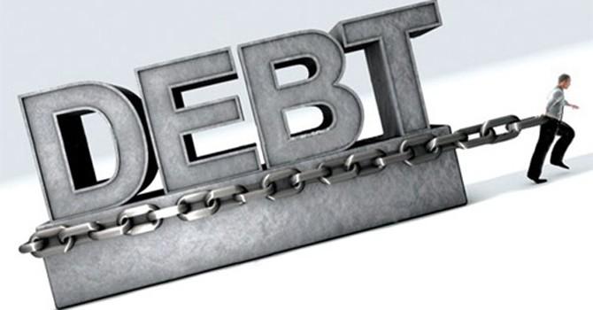 Luẩn quẩn nợ công