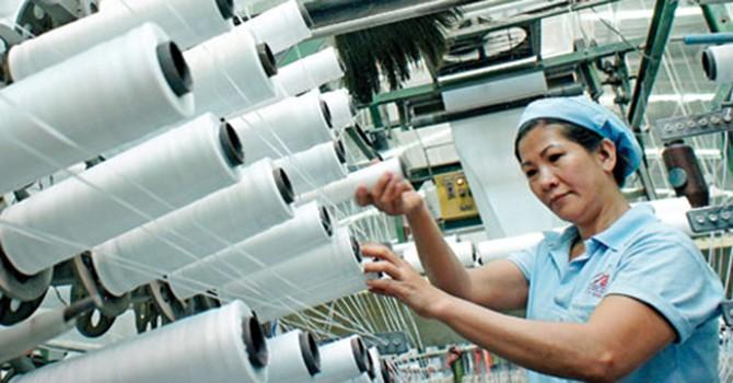 Doanh nghiệp muốn tăng giờ làm thêm, bỏ công đoàn phí