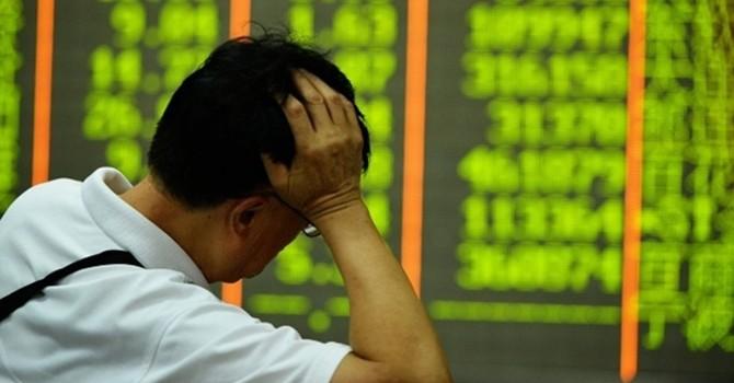 Chứng khoán Trung Quốc giảm mạnh: Lời cảnh báo cho chính sách sai lầm