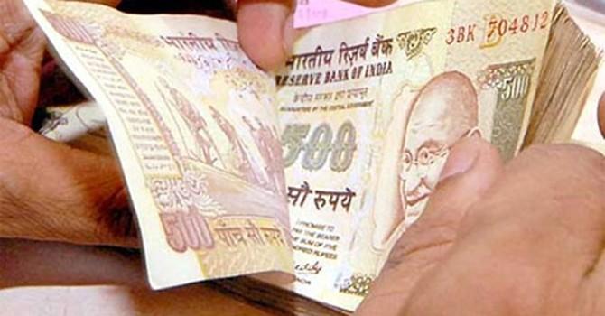 Đồng rupee trượt giá liệu có ảnh hưởng đến kinh tế Ấn Độ?