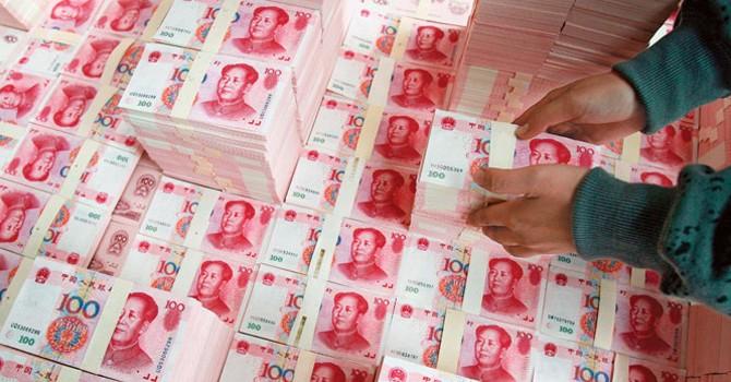 """Phá giá NDT, """"tiền nóng"""" chảy khỏi Trung Quốc"""