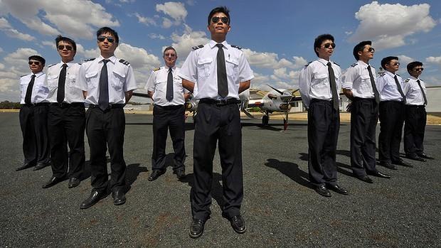 """Hàn Quốc """"chảy máu"""" phi công sang Trung Quốc"""