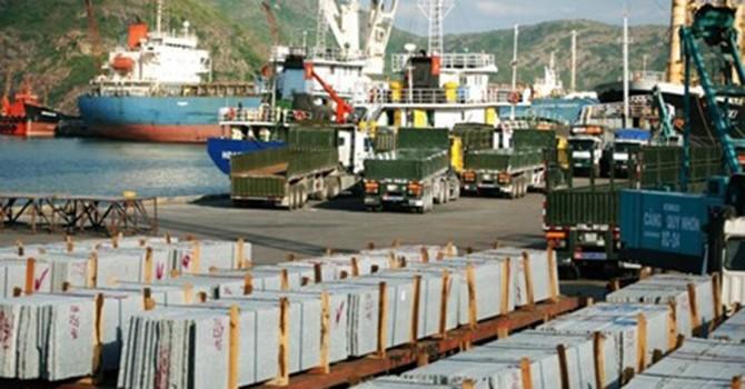 Công nhân Cảng Quy Nhơn đã trở lại làm việc bình thường