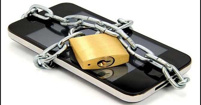 Ứng dụng Android tự chụp ảnh người dùng để... tống tiền