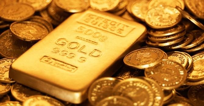 Giá vàng tăng mạnh nhất 8 tháng do USD suy yếu, mua bù trạng thái