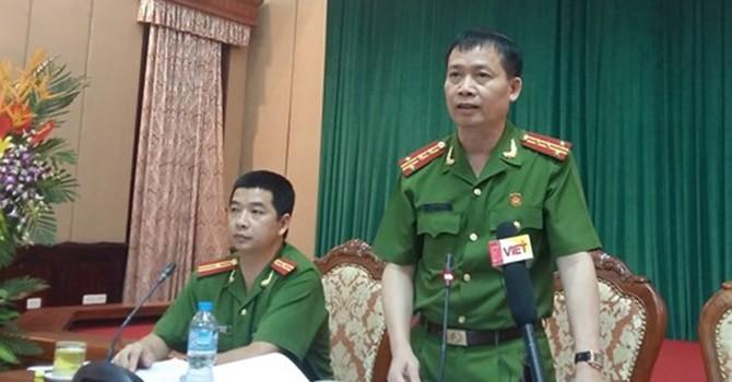 """""""Cò"""" chạy công chức ở Sóc Sơn: Khởi tố 2 bị can tội chiếm đoạt tài sản"""