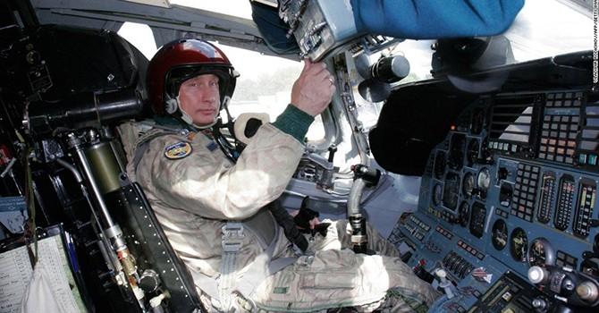 Khi các lãnh đạo thế giới ngồi ghế lái máy bay quân sự