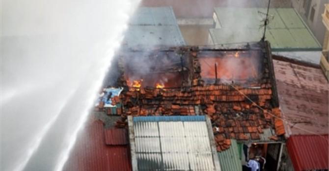 Hà Nội: Cháy lớn tại khu tập thể cũ Trần Quốc Toản