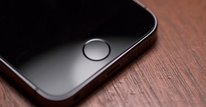 """iPhone 7 có thực sự """"xóa sổ"""" nút home?"""