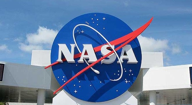 """Những dự án của NASA từng bị coi là """"ném tiền qua cửa sổ"""""""