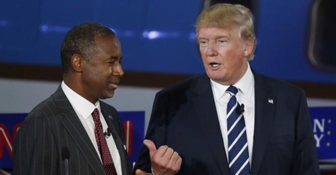 Bị tụt hạng, tỷ phú Trump chế giễu đối thủ
