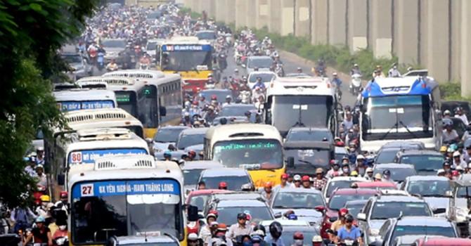 """Chuyên gia giao thông: """"Hạn chế xe buýt giờ cao điểm là đi ngược với thế giới"""""""