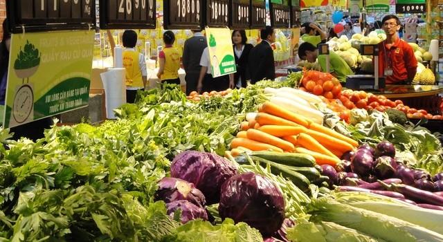 Rau hữu cơ giá đắt gấp đôi thịt: Muốn ăn vẫn phải đặt tiền trước
