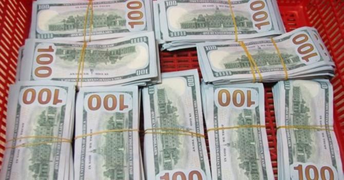 Phát hiện vụ vận chuyển trái phép 90.000 USD từ Hàn Quốc về Việt Nam