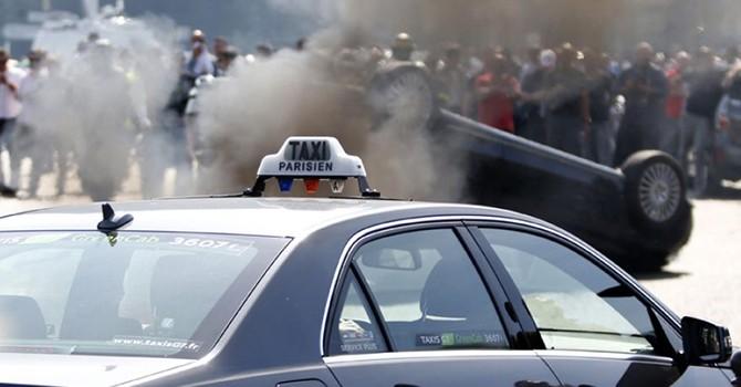 Dịch vụ Uber ngừng hoạt động tại Paris sau vụ khủng bố