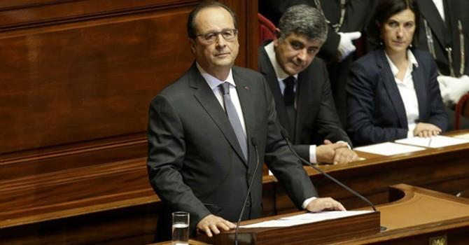 Tổng thống Hollande tuyên bố Pháp ở trong tình trạng chiến tranh