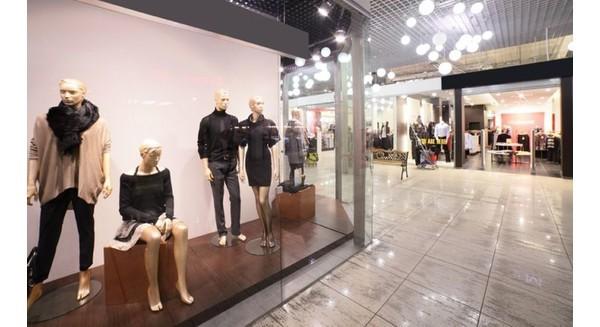 """Vì sao các thương hiệu thời trang đồng loạt """"tháo chạy"""" khỏi Singapore, Malaysia, Việt Nam"""