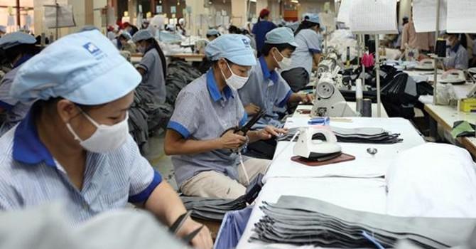 Tăng lương tối thiểu có là tin buồn với người lao động?