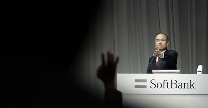 """""""Warren Buffett châu Á"""" tiến thoái lưỡng nan vì Yahoo"""