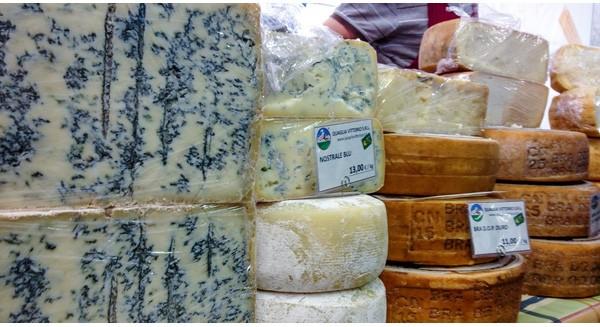 Vì sao nước Ý là quốc gia pho mát nhưng vẫn đi nhập khẩu pho mát?