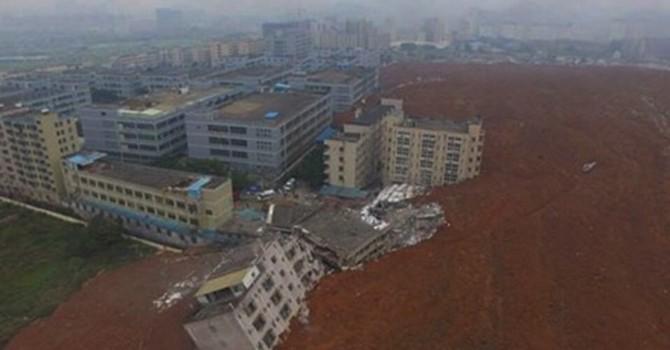 Hiện trường vụ lở đất kinh hoàng ở Trung Quốc khiến 22 tòa nhà đổ sập