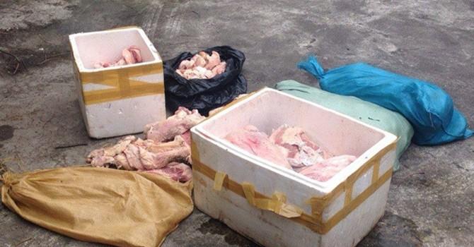 Hà Nội: Phát hiện gần 200 kg gầu bò thối suýt vào quán phở