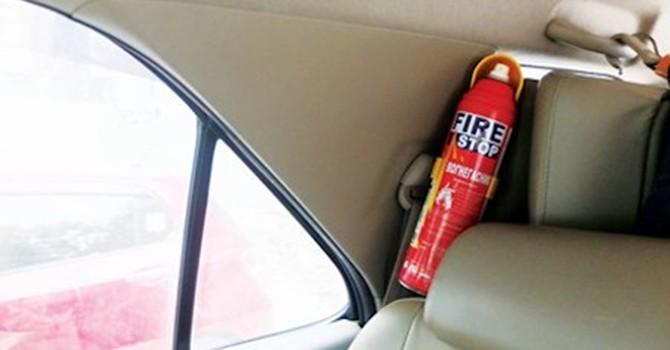 """Bắt buộc ôtô phải có bình cứu hỏa: Phòng cháy hay mang """"bom""""?"""