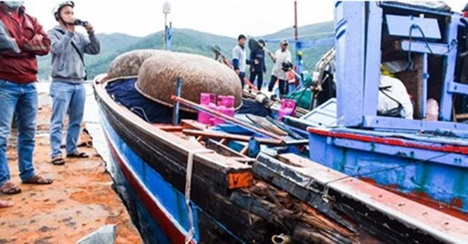 Giả dạng tàu cá vào lãnh hải Việt Nam nắm tình hình
