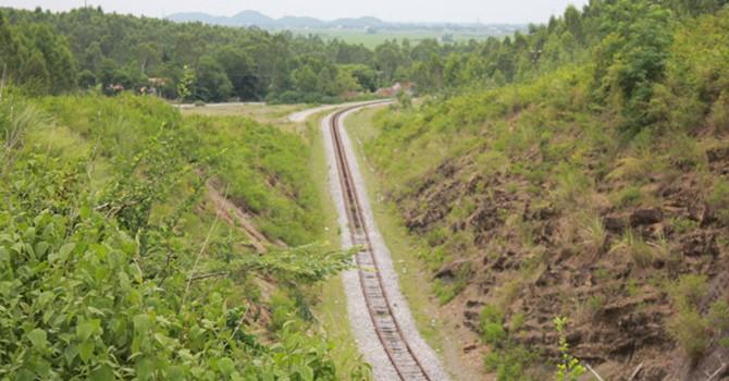 Tuyến đường sắt 10 năm không chạy tàu vẫn tiêu tốn tiền tỷ