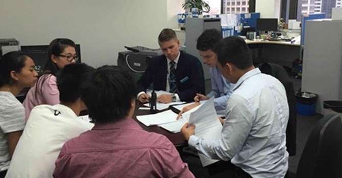 Lừa đảo qua facebook, Vi Tran đã bị bắt tại Úc